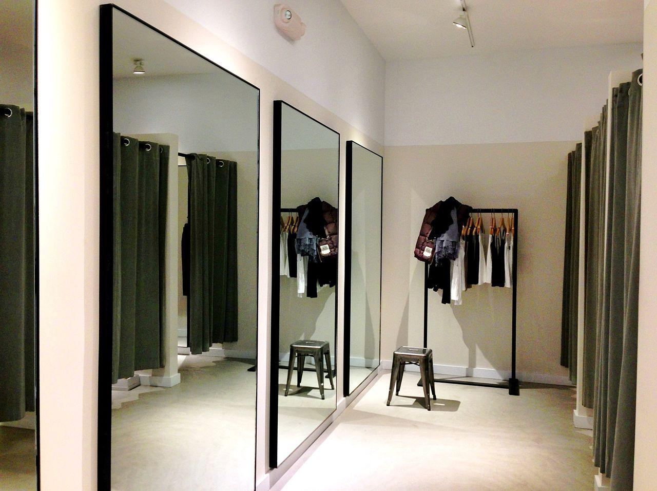 file theory clothing retailer dressing room westport. Black Bedroom Furniture Sets. Home Design Ideas