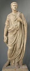 Togato con tesa dell'imperatore claudio, inv. 2221.JPG