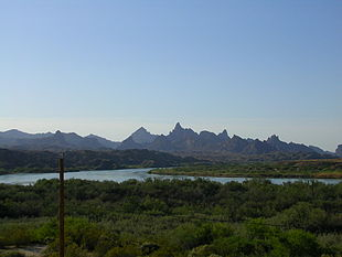 Looking down stream towards the Needles Peak Mountains in the Topock Gorge.
