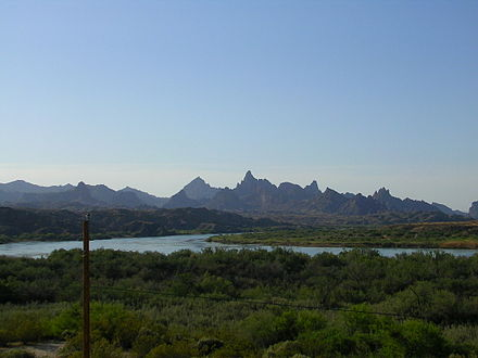 Heavily forested banks of the Colorado River near Topock, Arizona Topockgorge.jpg