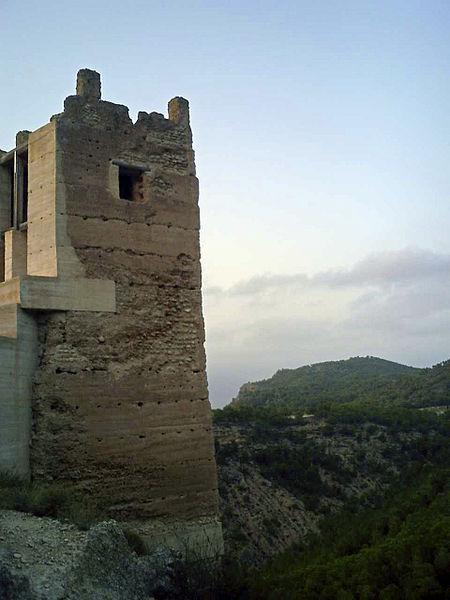 File:Torre del castillo de Pliego (Murcia).jpg - Wikimedia Commons
