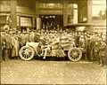 Touring car in front of Seattle Times building in 1910s.jpg