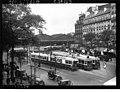 Tramways devant la gare de Paris-Est (1927).jpg