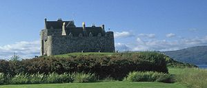 Entrapment (film) - Duart Castle, the location of MacDougal's hideout