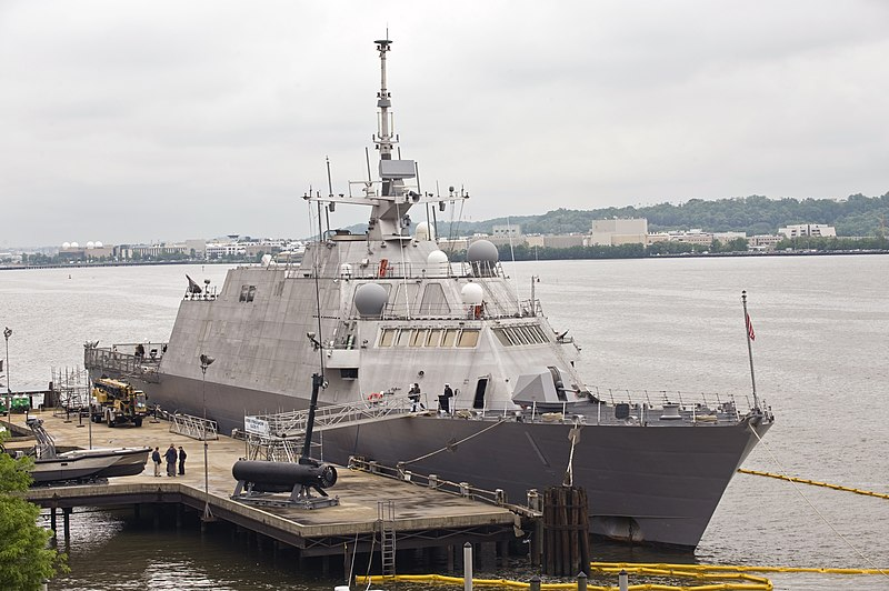 File:USS Freedom at Old Town Alexandria May 2009.jpg