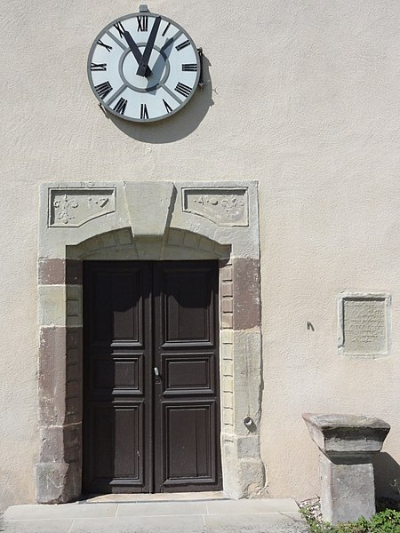 Vaxainville (M-et-M) église, entree - horloge