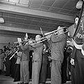 Veldhovens Fanfare-corps tijdens uitvoering, Bestanddeelnr 255-8578.jpg