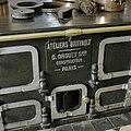 Vertrek S.36 (oude keuken) Interieur, detail van het steenkolenfornuis van Drouet - Haarzuilens - 20381213 - RCE.jpg