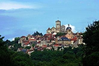 Vézelay - Image: Vezelay from West