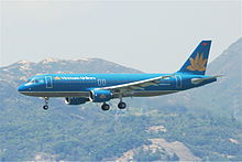Vietnam Airlines Airbus A320-214; VN-A303@HKG;04.08.2011 615od (6207411421).jpg