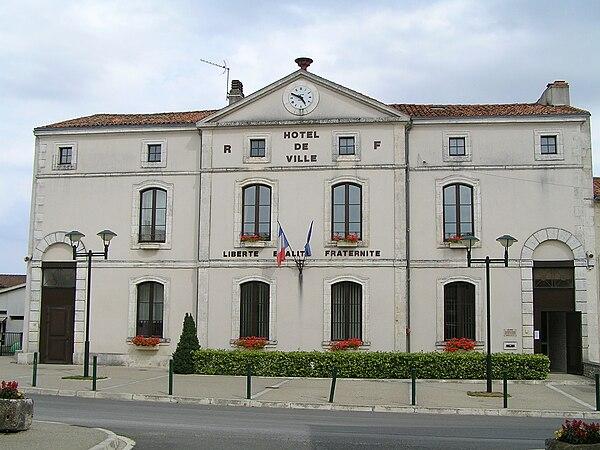 La mairie de Villefagnan
