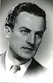 Vlada Popović, građanski portret iz 1954, fotograf nepoznat.jpg