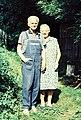 Vladimír a Věra Vokolkovi na chalupě v Rychnově.jpg