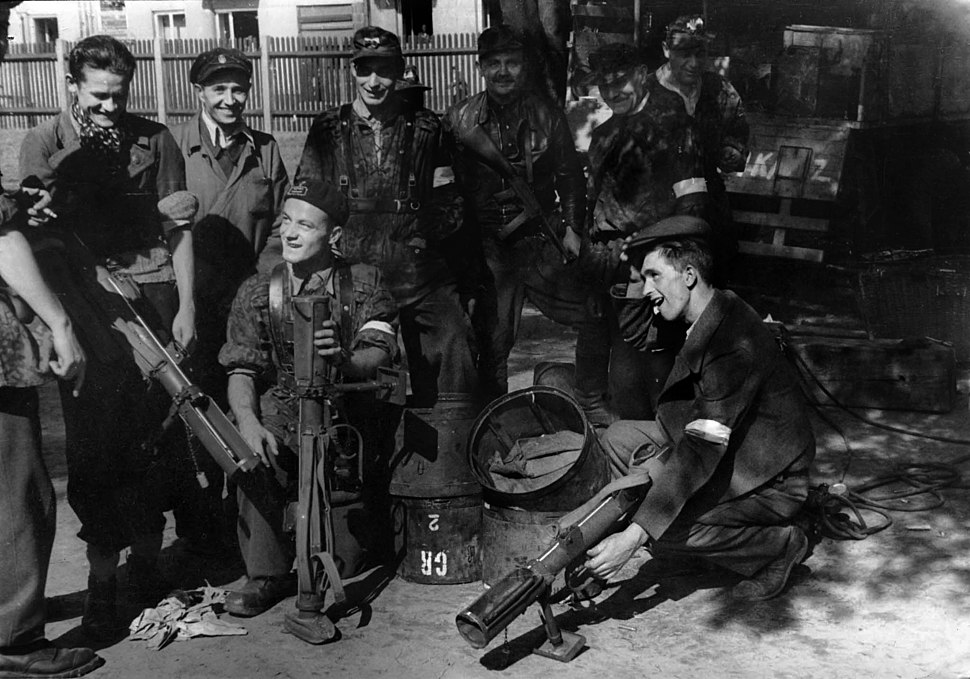Warsaw Uprising - Baon Czata with PIAT guns
