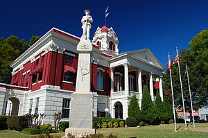 White County Courthouse and Confederate monument in Searcy