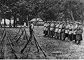 Wojna polsko-radziecka - ochotniczy oddział kobiecy podczas musztry NAC 1-H-380.jpg