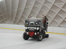 Ice resurfacer - Wikipedia