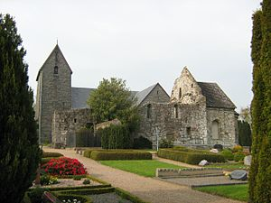 Østermarie - The old and new churches of Østermarie