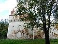 Башня ограды северо-западная. С проспекта Победы.jpg