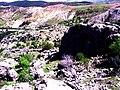 طبيعة وسط الأحجار.jpg