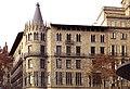 004 Casa Pascual i Pons, pg. de Gràcia - rda. de Sant Pere (Barcelona).jpg