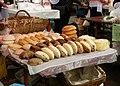 080 Mercat de Dolac (Zagreb), formatges artesanals.jpg