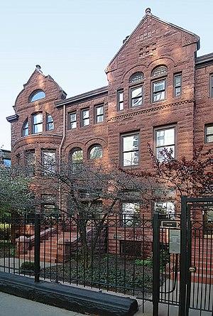 Luxury condominiums at 1224 Dearborn Street, C...
