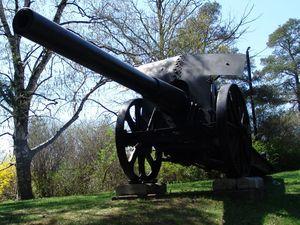 15 cm L/40 Feldkanone i.R. - At the Memorial Tower, Woodbridge, Ontario, Canada
