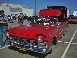 1957 Ford Fairlane 500 Skyliner (5201281894).jpg
