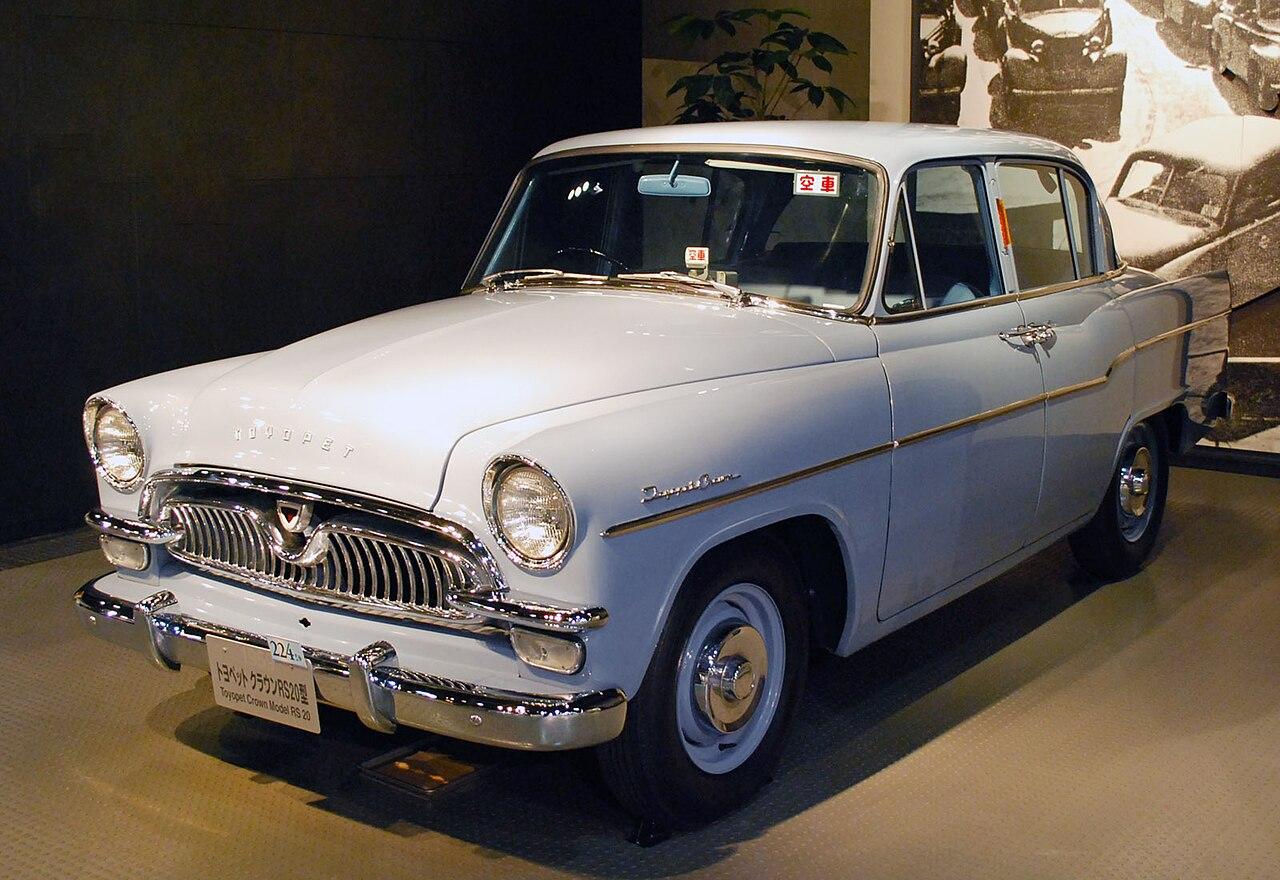 1959 Toyopet Crown 01.jpg