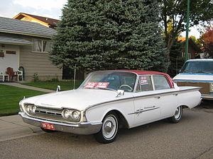 Meteor (automobile) - Image: 1960 Meteor Rideau 500 (3841638524)