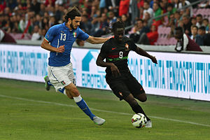 Eder (Portuguese footballer) - Eder taking on Italy's Andrea Ranocchia in a June 2015 friendly.
