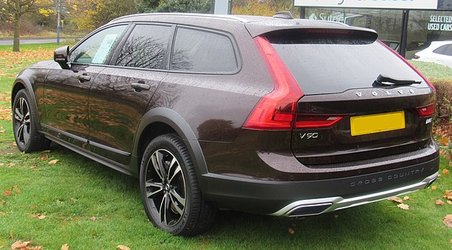 Datei 2017 Volvo V90 Cross Country D5 Pp Automatic 2 0 Rear Jpg