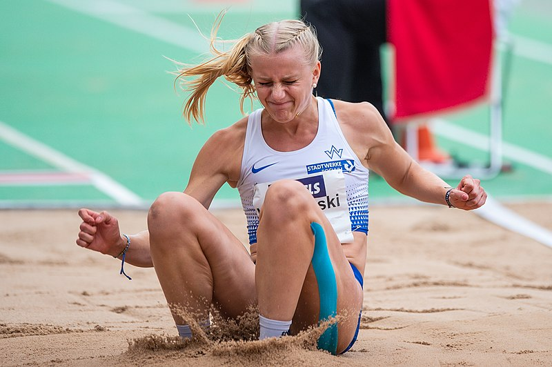 File:2018 DM Leichtathletik - Weitsprung Frauen - Jovanna Klaczynski - by 2eight - DSC9548.jpg