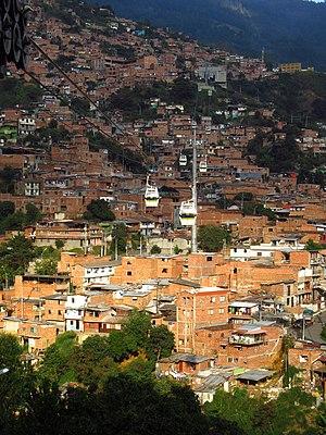 2018 Medellín Línea H del Metrocable entre las estaciones Las Torres y Villa Sierra.jpg