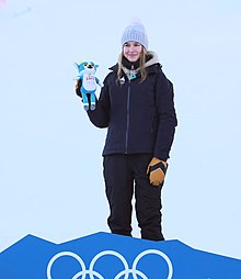 2020-01-18 Freestyle skiing at the 2020 Winter Youth Olympics – Women's Freeski Slopestyle – Mascot Ceremony (Martin Rulsch) 22.jpg