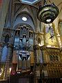 206 Basílica de Montserrat, orgue i llàntia votiva.JPG