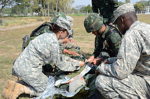 2SBCT Soldiers, Royal Thai Army conduct CLS training 150208-Z-OY821-091.jpg