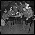 "5.7.65. Les ""recluses"" des grottes de Lacave (Lot) sortent (1965) - 53Fi5105.jpg"