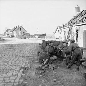 Hallamshire Battalion - Men of the Hallamshire Battalion manning a 6-pounder anti-tank gun, Holland, November 1944.