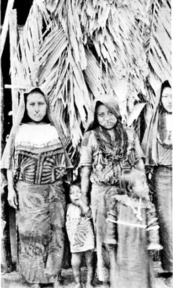 76-San Blas Indian Squaws In Native Dress.jpg