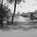 Aanleg en verbeteren van wegen, dijken en spaarbekken, rijwielpaden, verkeersbor, Bestanddeelnr 161-1395.jpg