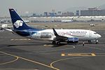 "AeroMexico Boeing 737-752 XA-MAH ""VISA"" sticker (23224832256).jpg"