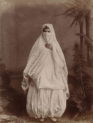 Harem pants - Image: Algerian woman's outdoor costume