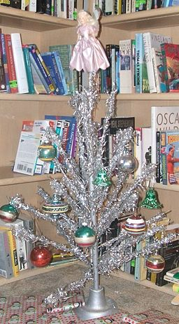 Aluminum christmas tree1
