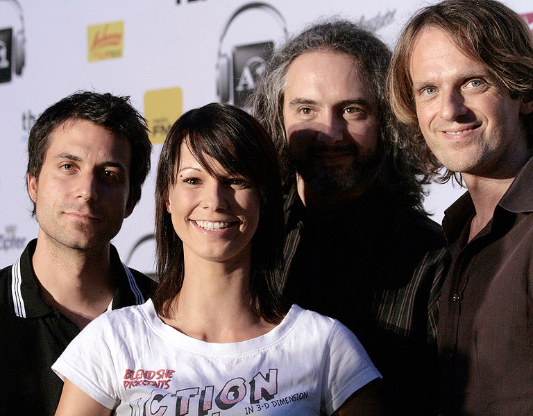 File:Amadeus Austrian Music Award 2009, Christina Stürmer & Band 02.jpg
