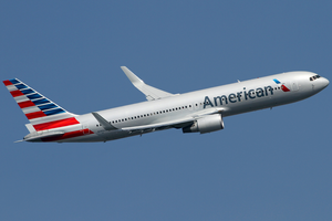 American Airlines Boeing 767-300ER N389AA LHR 2014-03-29.png