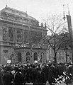 Andrássy út, a Magyar Állami Operaház épülete (Ybl Miklós, 1884.), május 1-i felvonulás. Fortepan 25841.jpg