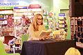 Andrea Sawatzki während einer Lesung in Neubrandenburg 02.JPG