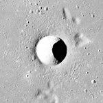 Artsimovich crater AS15-M-2332.jpg